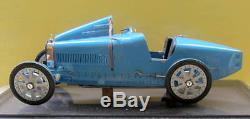 1975 Bugatti 35 Gp De Lyon 1/8 Art Collection Auto Avec Sa Vitrine Et Dossier