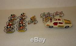 Ancien Jouet Tour De France, Voiture Ford + Velos + Coureurs Cyclistes Annees 60