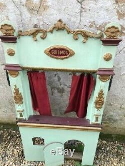 Ancien Theatre Castelet De Guignol
