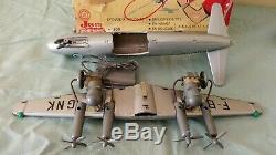 Ancien jouet en tôle avion vickers viscount JOUETS MONT BLANC (en boite)