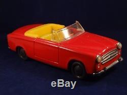 Ancien jouet rare voiture tôle Peugeot 403 cabriolet Gaspard et Gaubier France