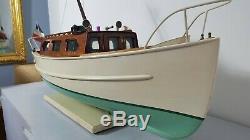 Ancienne Vedette en bois 1960. Vedette de bassin navigante non équipée. 100 cm