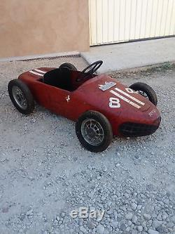 Ancienne Voiture À Pédales Ferrari Sharknose Peinture Et Logo D'Origine