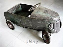 Ancienne voiture à pédales tôle EDF Ets DEVILLAINE Frères
