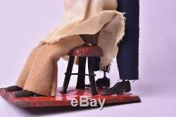 Automate ancien. L'artiste capillaire par Fernand Martin vers 1902. Bel état