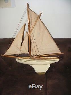 Bateau Canot Voilier de Bassin Bois Verni NOVA N°6 MFP Collection Vintage