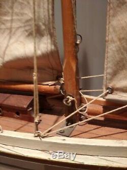 Bateau De Bassin Voilier Canot Yacht Nova Numero 7