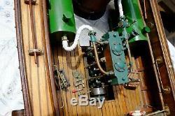 Bateau à vapeur vive chaloupe à clins de 1.30 mètre radiocommandée