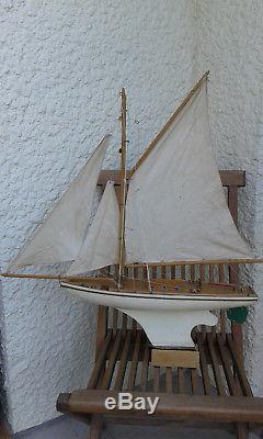 Bateau canot voilier de bassin Borda
