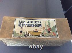 Boite de jouet mécanique Citroën num 63 c4