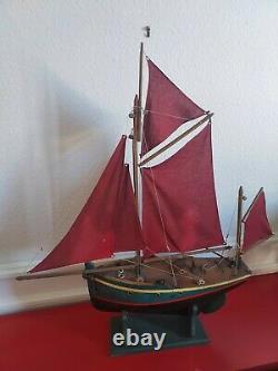 Borda langoustier voilier canot bois de bassin 70cm bateau ancien