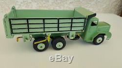 Camion Quiralu Berliet tribennes vert et liseré bleu