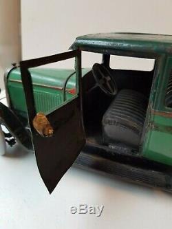 Citroën type C6 berline jouet André Citroën jouet ancien en tôle de 1932