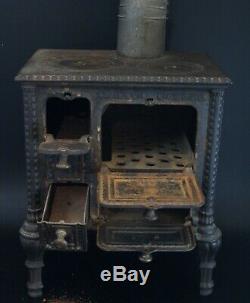 Cuisinière poële à bois charbon fonte mobilier poupée jumeau Godin & Cie