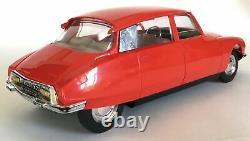 DS-21 Pallas Citroën à friction en plastique SLJ 1/20° + boîte d'origine