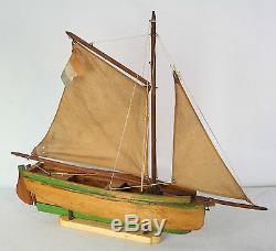 ED - MFP - Bateau voilier de bassin - Bel état d'origine