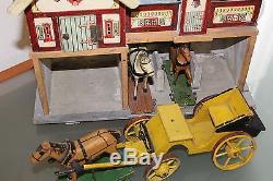 JOUET ANCIEN en BOIS écurie avec 3 chevaux et calèche ORIGINAL 1920