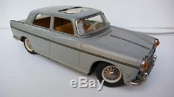 JOUSTRA PEUGEOT 404 GRAND LUXE TÉLÉGUIDÉE TÔLE Lg 30 cm 1961 REF 2805