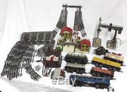Jep / Train Lot Locomotive Sncf Wagons Gare Transformateur Passage Niveau Rails
