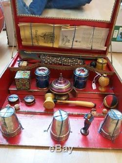 Jouet ancien boîte de magie jeu d'escamotage en bois et métal France 1910/20