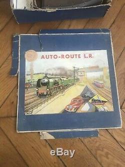 Le Circuit LR L'Auto-Route avec une voiture Salmson Louis Roussy Le Mans