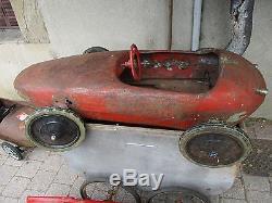 Lot de trois voitures a pédales Ferrari Lotus Floride