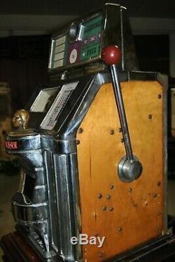 Machine à sous, bandit manchot de la marque Jennings état superbe et fonctionne