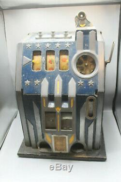 Machine à sous jackpot Comet de 1936 très bon état de fonctionnement