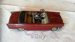 Peugeot 404 cabriolet + téléphone électrique JOUSTRA