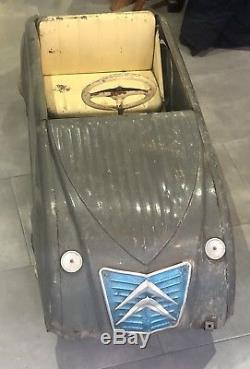Rare Et Ancienne voiture a pedale citroen 2 CV MFA