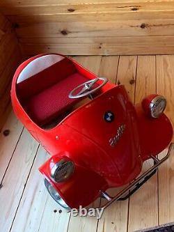 Rare voiture à pédale Isetta en métal
