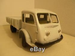 Renault 120 CV Jouet Cij Repeint