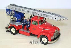 SCHUCO Elektro construction 6080 Camion de pompier