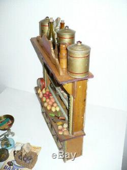 Superbe EPICERIE ancienne avec nombreux accessoires. Vers 1910