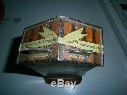 Tirelire chocolat des enfants sages tôle lithographiée an 1900