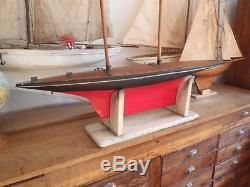 Tres Belle Et Grande Coque Canot Bateau Voilier De Bassin Vers 1900