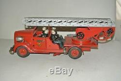 VÉBÉ Camion tole Studebaker des Pompier de Paris Avec boite original