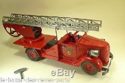 VéBé. Camion de pompiers grande échelle. Tinplate