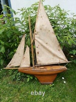 Voilier bassin ancien Nova 8 bateau jouet acajou