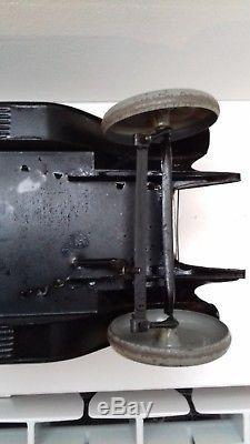 Voiture Mecanique en Tole de la Marque Andrée Citroen
