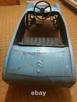 Voiture a pedale ancienne MG MORELLET GUERINEAU DANS SON JUS Citroën ds 21 Bleue