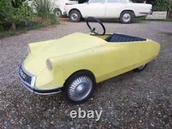Voiture à pédales Citroën DS