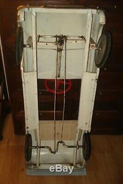 Voiture a pedales, dauphine avec pare chocs, collection, deco, loft