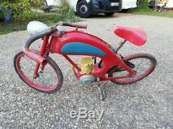 Voiture ou moto à pédales
