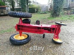 Voiture tracteur à pédales